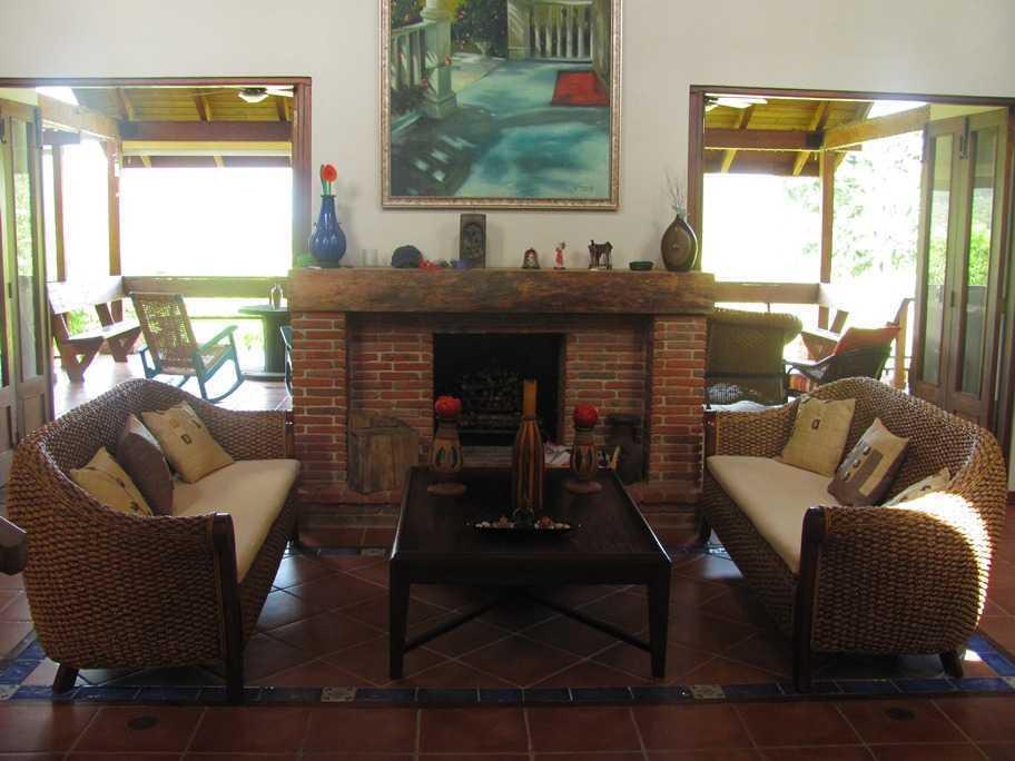 Beautiful log cabin in Jarabacoa for sale