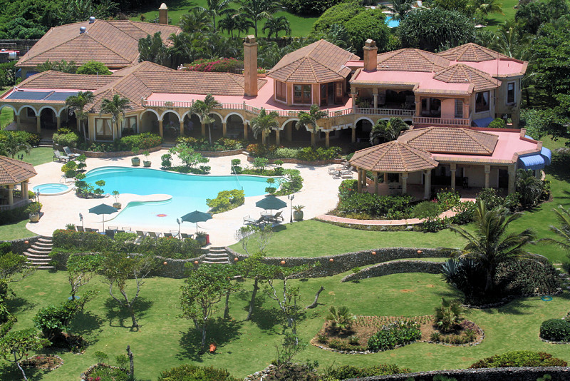 Luxury villa in tuscan style cabrera dominican republic for Luxury caribbean homes for sale