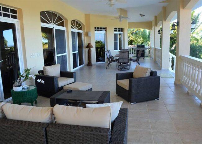 Luxury Ocean View Home in